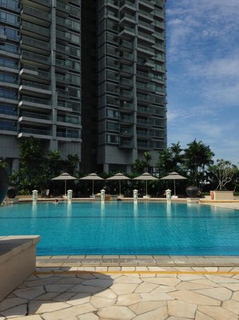 PARKROYAL on Beach Road: Swimming Pool