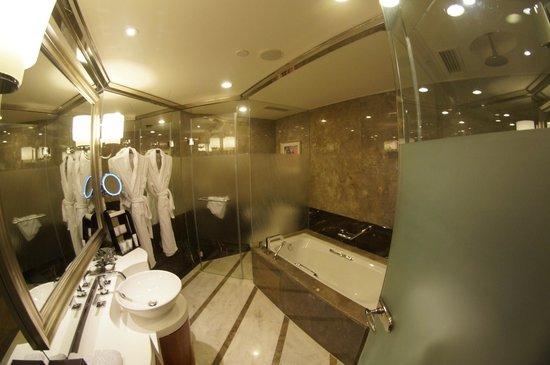 Grand Kempinski Hotel Shanghai: Ванная