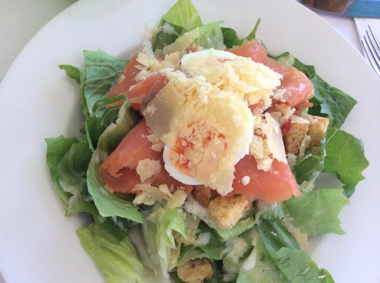 Verdant Restaurant: Salmon Ceasar Salad
