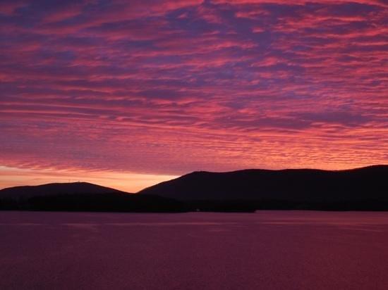 Smith Mountain Lake : awesome sun effects on Smith Mtn. Lake, Va