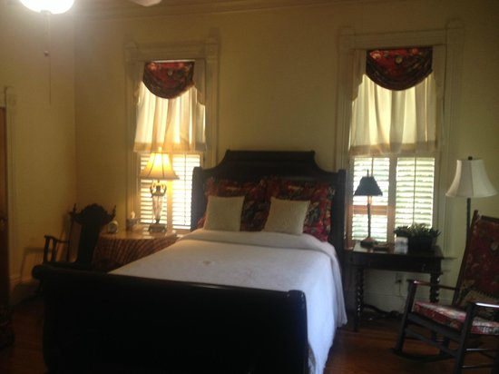 Fairview Inn Bed & Breakfast : Christmas Room