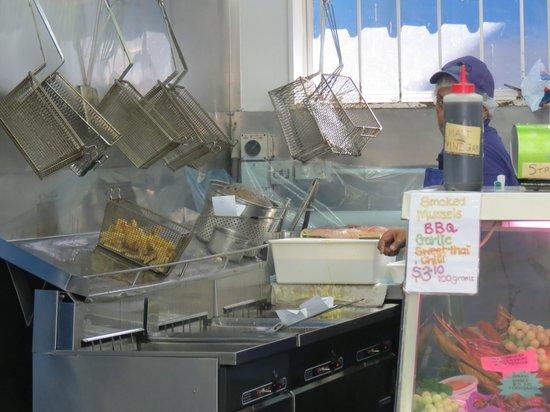 Bobby's Fresh Fish Market: fryer