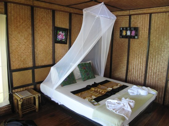 Railay Garden View Resort: bungalow inside