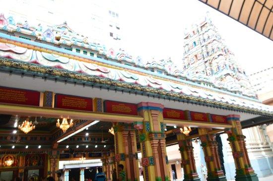 Sri Maha Mariamman Temple : temple premises