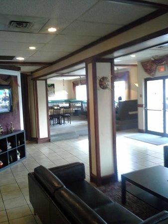 Tandori Hut Curry & Pizza Interior 1