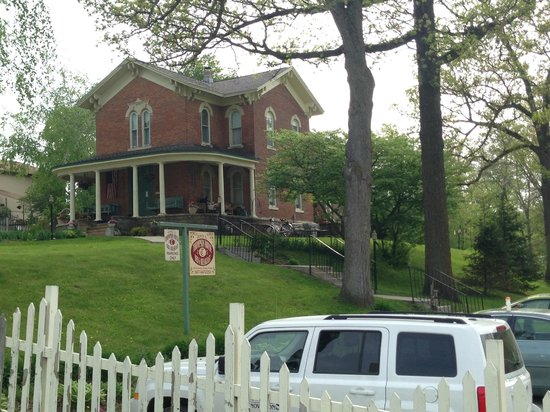 Thompson House Bed & Breakfast: Property