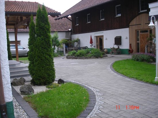 Oedhof Hotel: Central courtyard