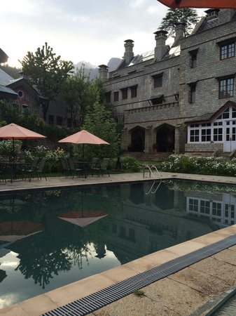 The Himalayan: Pool area