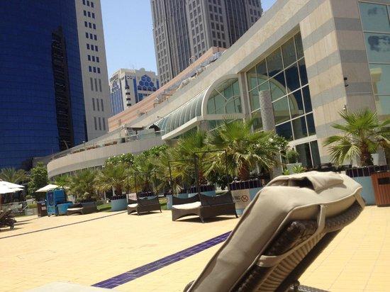 Le Royal Meridien Abu Dhabi : Achtung, Freitags Ballermann