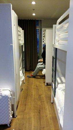 JC Rooms Santo Domingo Hotel: 3 person private room