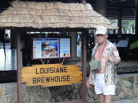 Louisiane Brewhouse: Вход в ресторан