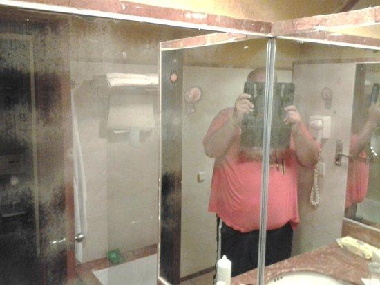 Barcelo Maya Caribe : Bathroom Mirror