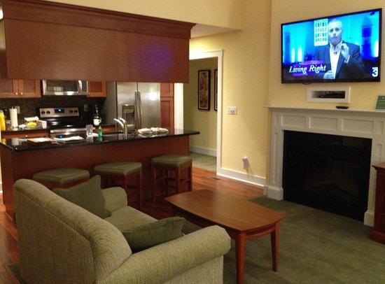 Massanutten Resort: Regal Vistas interior shot - fireplace, TV, kitchen