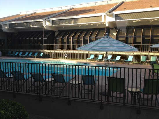 DoubleTree by Hilton Hotel Sacramento: Pool