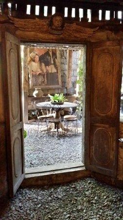 Yap Sandiego Ancestral House: The door
