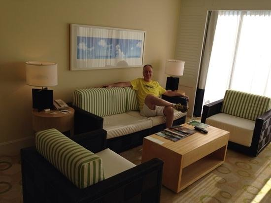 Edgewater Beach Hotel: Living Room area of Gulf View suite