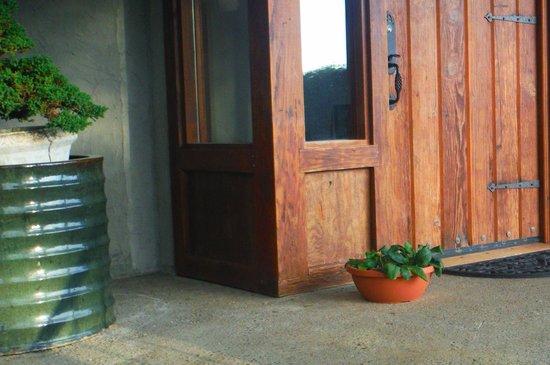 Arch Cape Inn & Retreat: front entrance