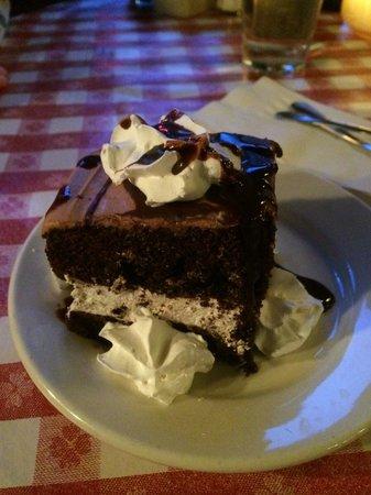 Vinny Vanucchi's: Delicious Dessert!