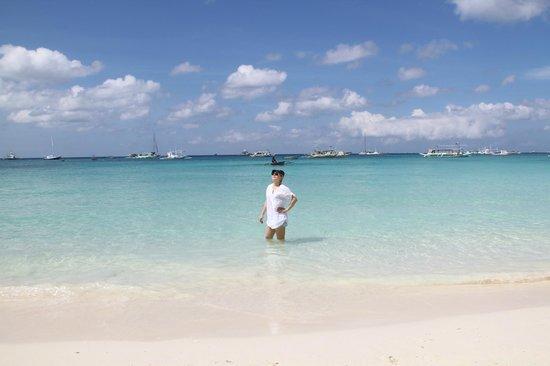Surfside Boracay Resort & Spa : Волшебное, красивое, ласковое море