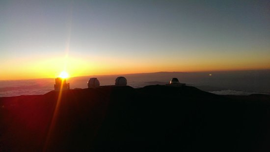 Mauna Kea Summit Adventures: Sunset at the top of the world