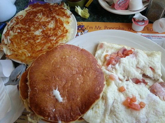 Mr Pancake: Captain's Omelet (egg whites) w/a side of hash browns