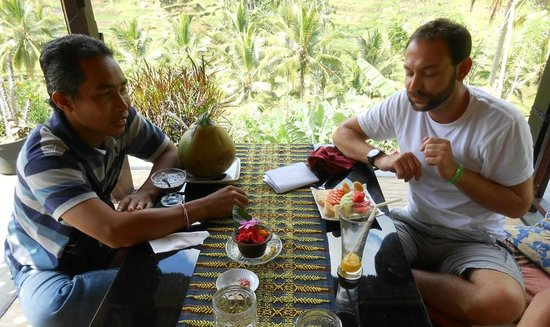 Tegalalang Rice Terrace : I enjoyed my lunch at Tegalalang with my guide Nyoman, it was so wonderful, I am French People