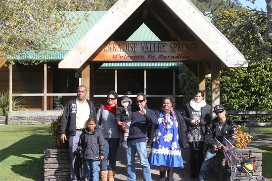 Sequoia - Acacia Lodge Motel: un beau sejour avec ma petite famille et nos amis
