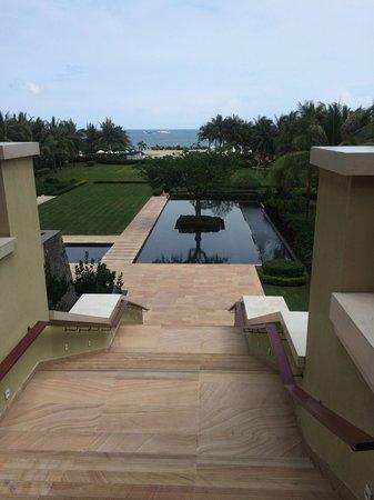 The Ritz-Carlton Sanya, Yalong Bay: Территория отеля