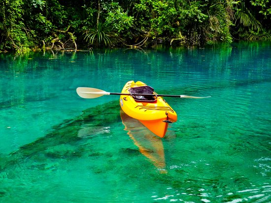 Oyster Island Resort: Kayak to blue hole