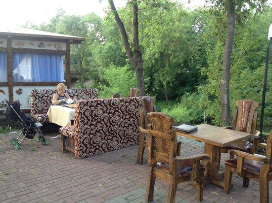 yahroma Dvorik: Летние столики
