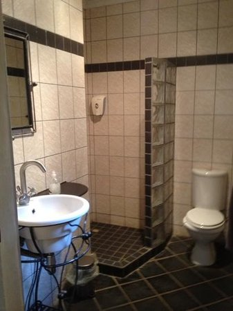 Londiningi Guesthouse: Room no. 8