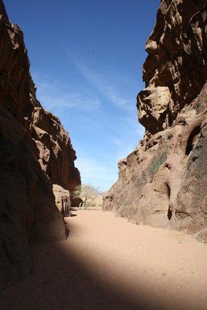 Wadi Rum Candles Camp: Burrah Canyon
