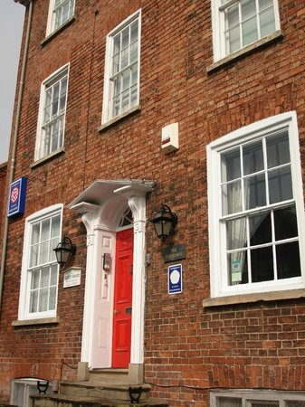 The Red House : Exterior front