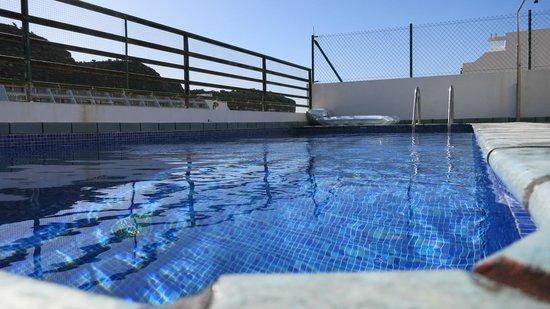 Sunshine Villas: Heated pool