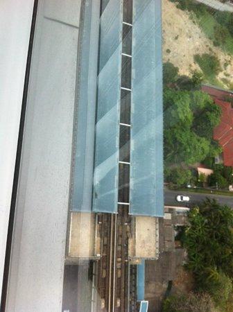 Novotel Bangkok Ploenchit Sukhumvit : BTS station view from room