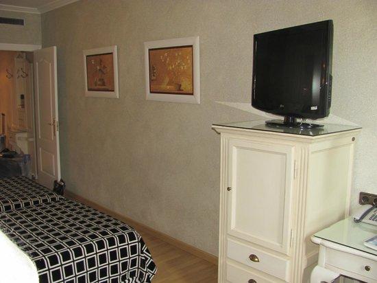 Salles Hotel Pere IV: Room
