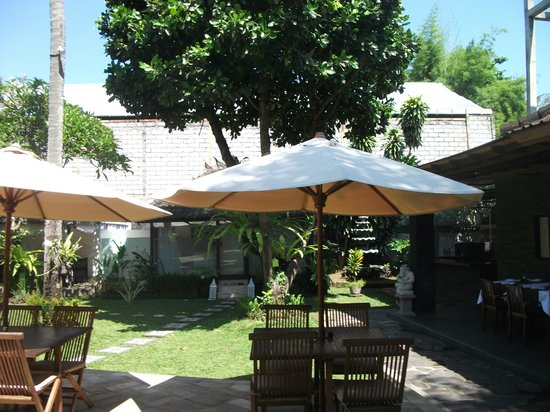 Karma Royal Sanur: Restaurant area