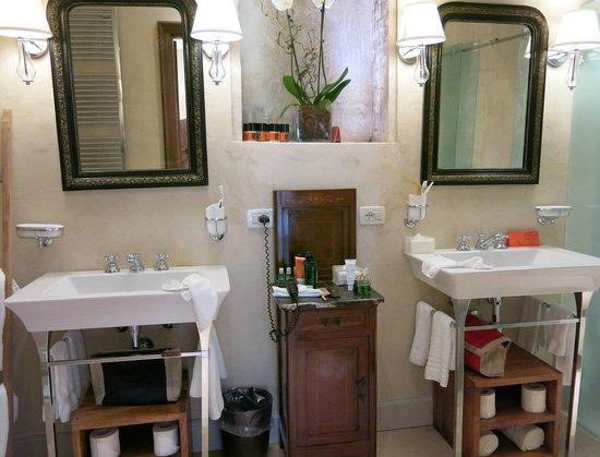 Palazzo Victoria: Bathroom 1