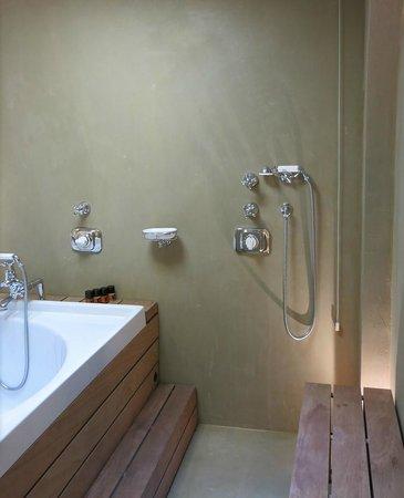 Palazzo Victoria: Shower