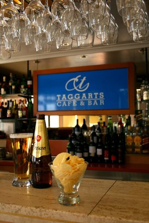 Taggarts Cafe & Bar: Bar open from 5pm Monday to Saturday