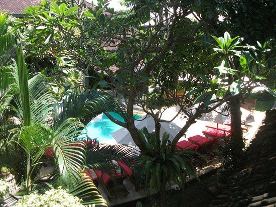 Karma Royal Sanur: Restaurant area from balcony.