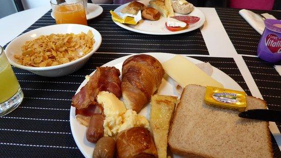 Hotel Room Mate Alicia: Breakfast