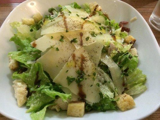 De Malte: Chicken Caeser Salad