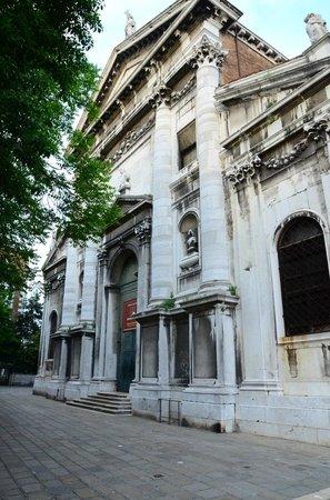 Interpreti Veneziani: Esterno Chiesa San Vidal