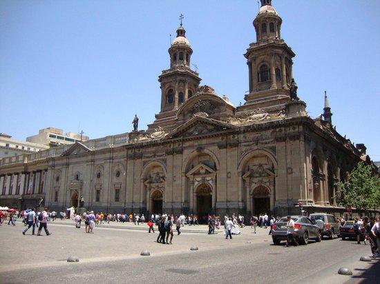 Catedral Metropolitana de Santiago: vista de la catedral