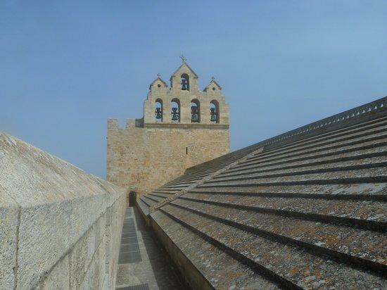 Église des Saintes-Maries : Sur le toit de l'église