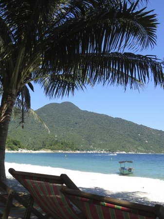Blue Coral Diving: lunch on Cham Island