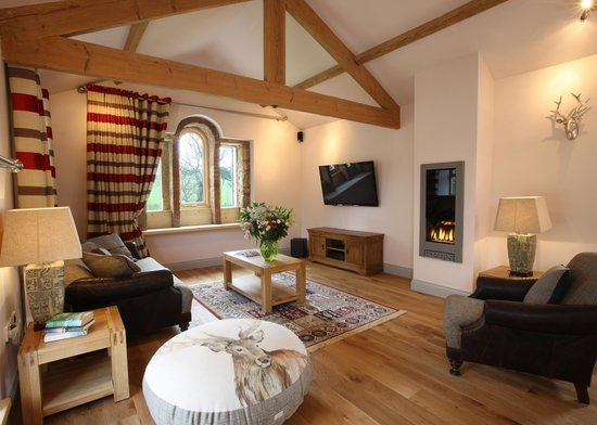 Cheviot Holiday Cottages: The Retreat lounge