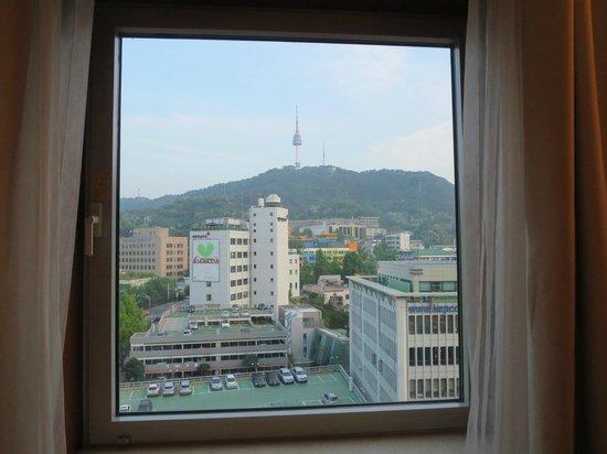 Sejong Hotel : 南山とソウルタワーが見えて景色も最高。