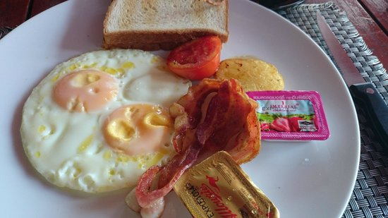 Nicky's Handlebar Hotel: Breakfast set